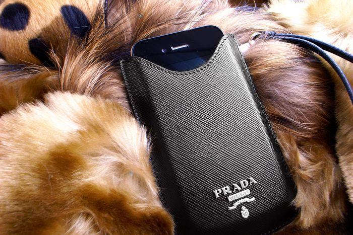 Prada_iphonecase01