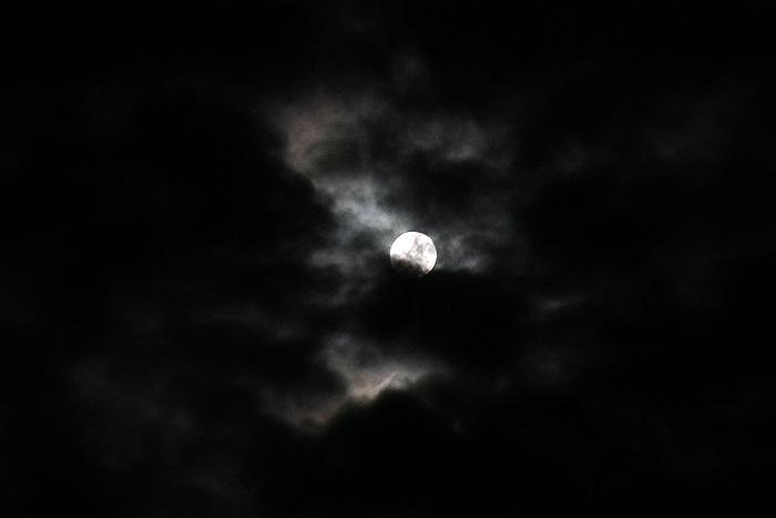 Moon20110615_1