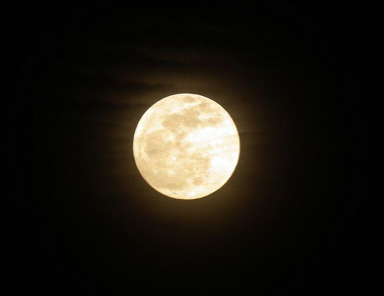 Moon20130425