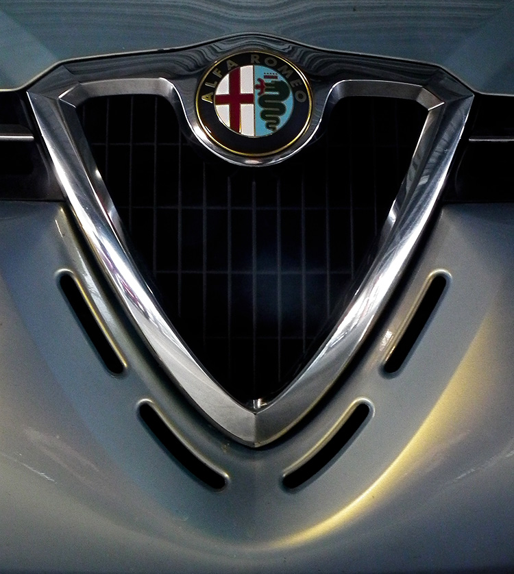 Alfa156_enblem01