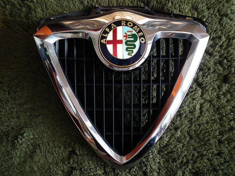 Alfa156_enblem04