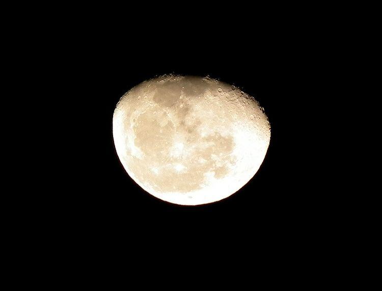 Moon20140120