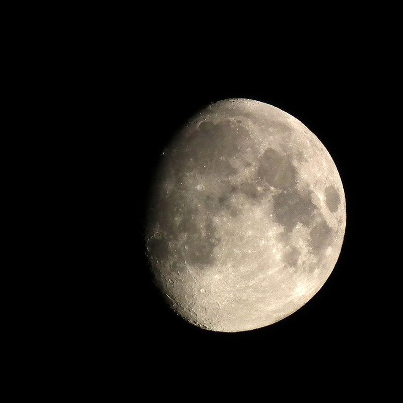 Moon20151024