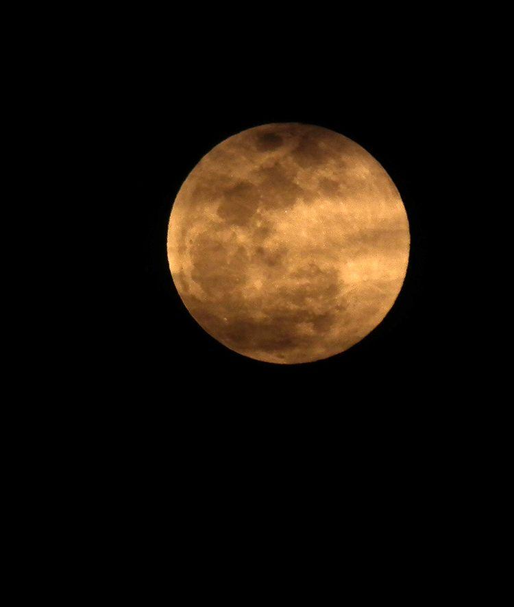 Moon20160323