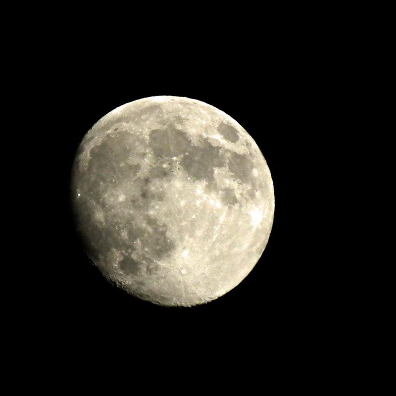 Moon20160519